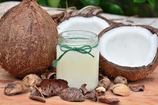 kokosový olej a ořech.jpg
