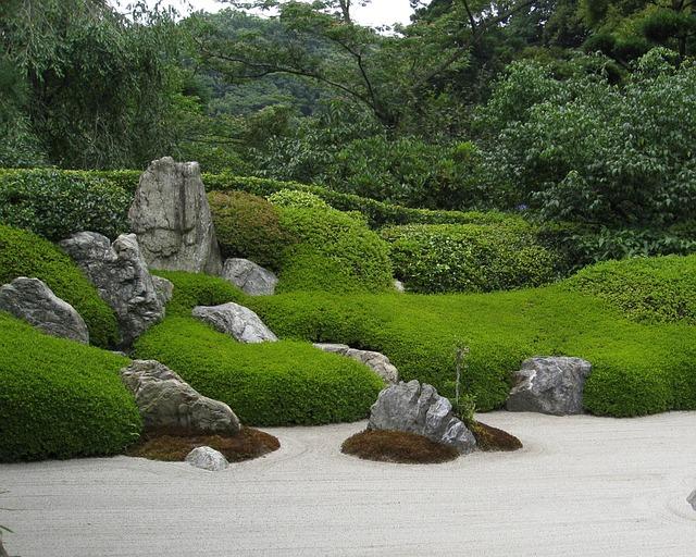kameny v zahradě.jpg