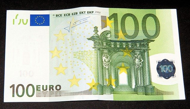 sto euro, zelená bankovka